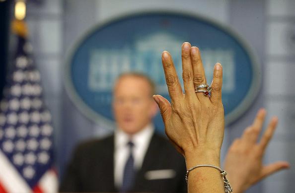 プレスルーム「Press Secretary Sean Spicer Holds Daily Press Briefing At The White House」:写真・画像(9)[壁紙.com]