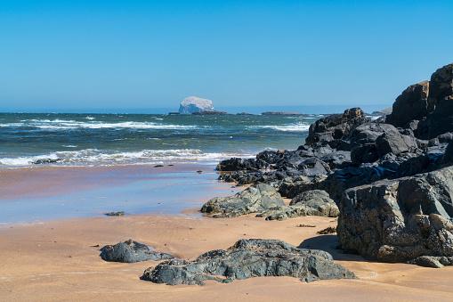 East Lothian「Looking west along North Berwick beach,  Scotland」:スマホ壁紙(8)