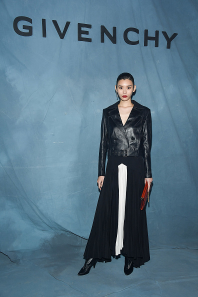 Givenchy「Givenchy : Photocall - Paris Fashion Week Womenswear Spring/Summer 2019」:写真・画像(13)[壁紙.com]