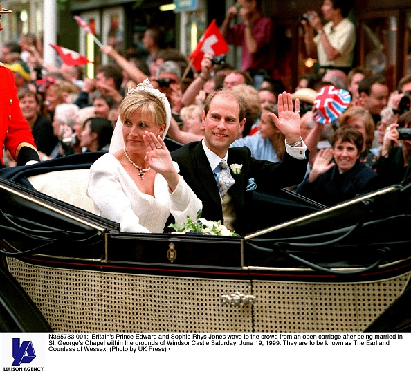 Sophie Rhys-Jones - Countess of Wessex「Britain's Prince Edward and Sophie Rhys-Jones wave...」:写真・画像(17)[壁紙.com]