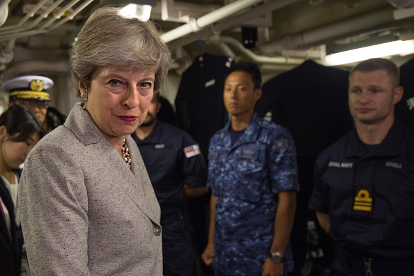上半身「Theresa May's First Official Visit To Japan As Prime Minister - Day Two」:写真・画像(17)[壁紙.com]