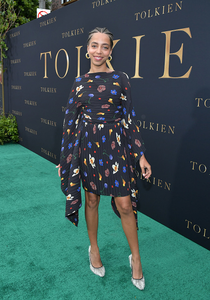 """Multi Colored Dress「LA Special Screening Of Fox Searchlight Pictures' """"Tolkien"""" - Red Carpet」:写真・画像(8)[壁紙.com]"""