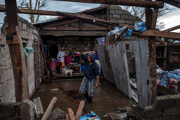 ベストオブ「Super Typhoon Mangkhut Batters the Philippines as it Makes Landfall」:写真・画像(9)[壁紙.com]