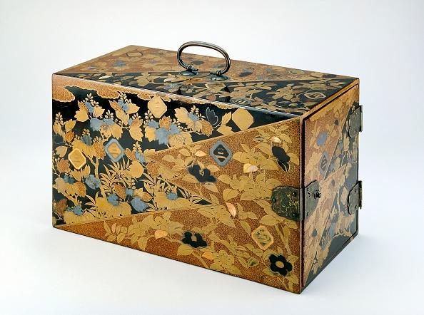 戦国武将「Box With Mon Crests Of The Inaba Family」:写真・画像(0)[壁紙.com]