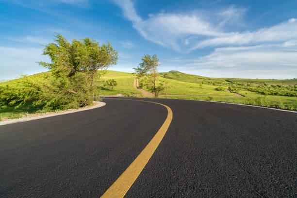 Road:スマホ壁紙(壁紙.com)