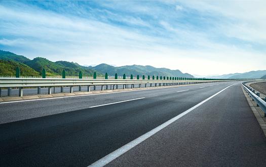 The Way Forward「Road」:スマホ壁紙(19)