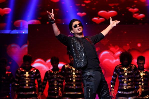 カメラ目線「Shahrukh Khan Live In Sydney」:写真・画像(1)[壁紙.com]