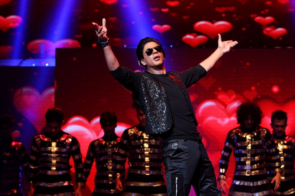 Looking At Camera「Shahrukh Khan Live In Sydney」:写真・画像(3)[壁紙.com]
