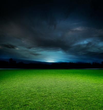 Stadium「Empty Sports Ground at Night」:スマホ壁紙(2)