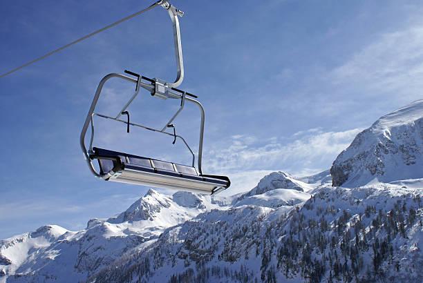 Ski Lift in the Alps:スマホ壁紙(壁紙.com)