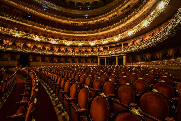 Public Theatres in Buenos Aires City Make and Donate Face Masks During Coronavirus Pandemic:ニュース(壁紙.com)