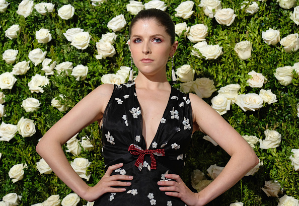 Anna Kendrick「2017 Tony Awards - Red Carpet」:写真・画像(5)[壁紙.com]