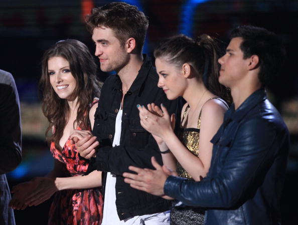Twilight「2010 MTV Movie Awards - Show」:写真・画像(1)[壁紙.com]