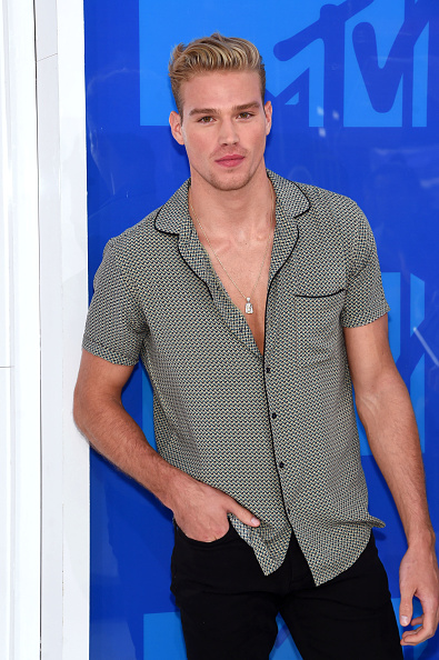 出席する「2016 MTV Video Music Awards - Arrivals」:写真・画像(4)[壁紙.com]