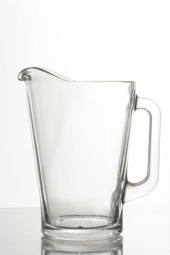 透明「ガラスのピッチャー」:スマホ壁紙(9)