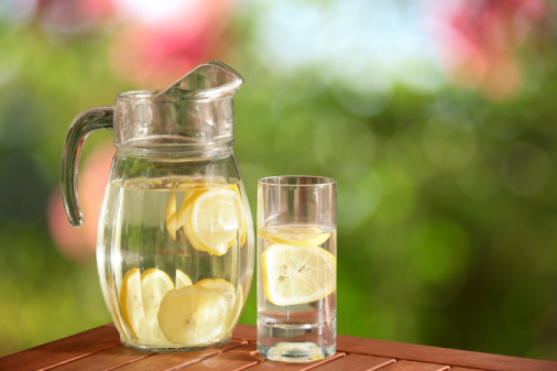 Juice - Drink「glass pitcher of fresh lemonade」:スマホ壁紙(15)