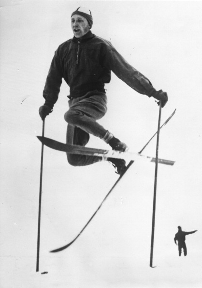 Skiing「Nils Backstrom On Skis. About 1930. Photograph.」:写真・画像(14)[壁紙.com]
