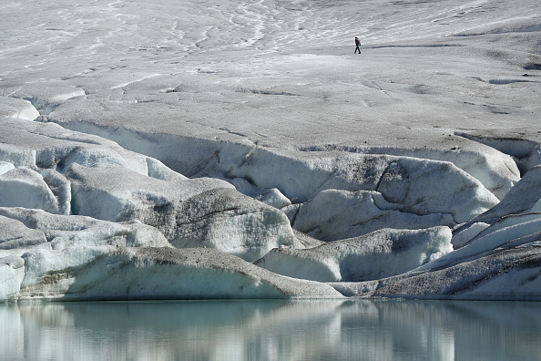 Greenhouse Gas「Europe's Melting Glaciers: Rhone」:写真・画像(17)[壁紙.com]