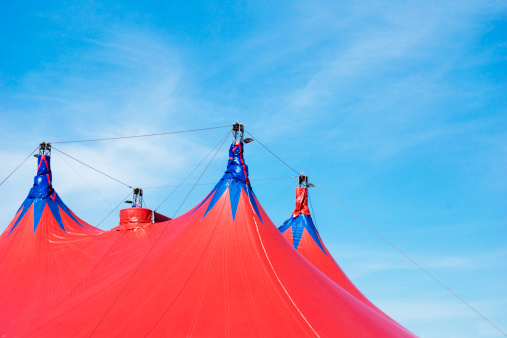 Circus Tent「Red circus tent and clear sky」:スマホ壁紙(2)