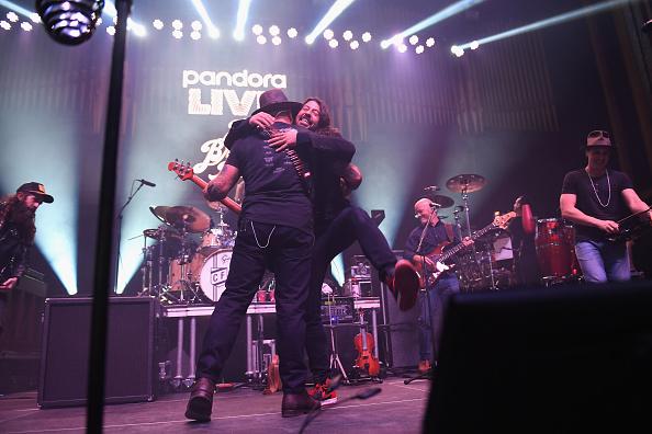 Bud「Pandora Live Zac Brown Band At Bud Light Dive Bar」:写真・画像(16)[壁紙.com]