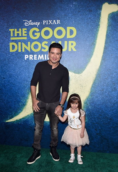 Mario Lopez「World Premiere Of Disney-Pixar's THE GOOD DINOSAUR At El Capitan Theatre」:写真・画像(8)[壁紙.com]