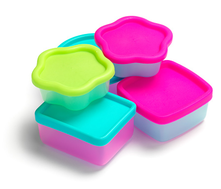 Lunch Box「A picture of five different shaped plastic containers」:スマホ壁紙(4)