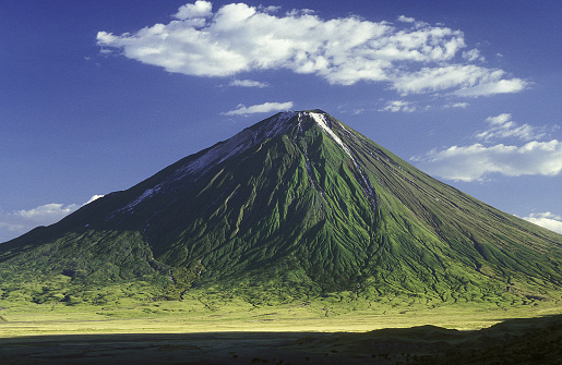 Active Volcano「Picture of the Masai mountain Ol Doinyo Lengai」:スマホ壁紙(2)