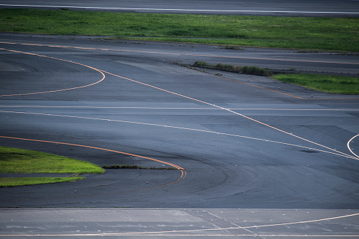 Japan「描画した線を滑走路の写真。」:スマホ壁紙(4)