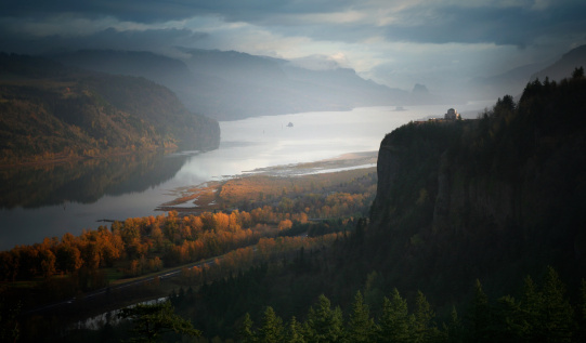 Crown Point「The Columbia Gorge River and Crown Point, Oregon State」:スマホ壁紙(4)