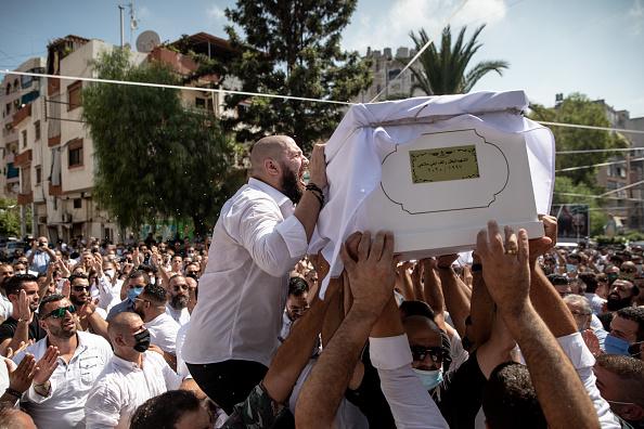 Exploding「Beirut Picks Up The Pieces After Deadly Blast」:写真・画像(16)[壁紙.com]