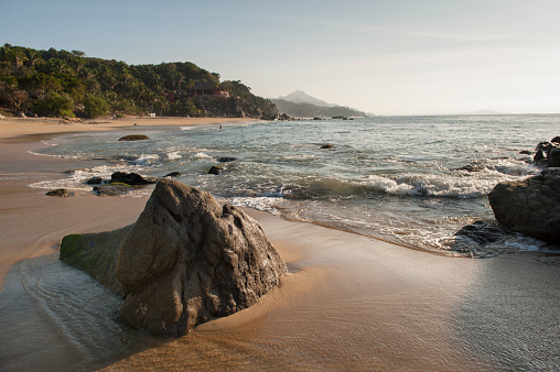 Sayulita「Tide washing up on the shore; sayulita mexico」:スマホ壁紙(11)