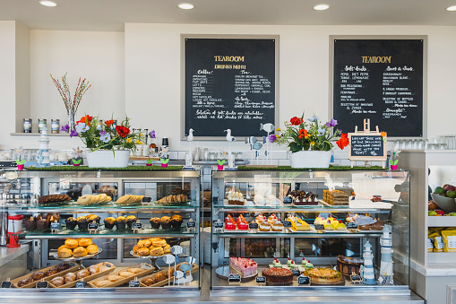 Cake「Cafe counter containing cakes and desserts for sale」:スマホ壁紙(14)