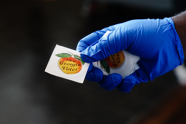 Voting「Five States Hold Primaries As Pandemic Continues In America」:写真・画像(6)[壁紙.com]