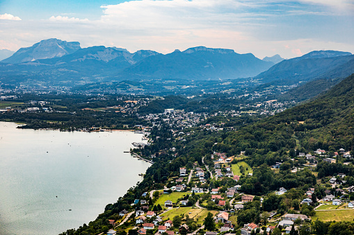 Lake Bourget「Elevated viewpoint over small French village of Bourdeau on the edge of Lake Bourget near Aix les Bains and Chambery city in Alps mountains」:スマホ壁紙(7)