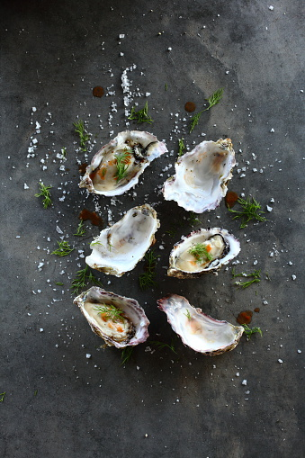 Food Styling「Elevated view of Prepared Oysters」:スマホ壁紙(19)