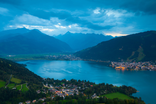 North Tirol「Elevated view over Lake Zell am See, Austria」:スマホ壁紙(11)