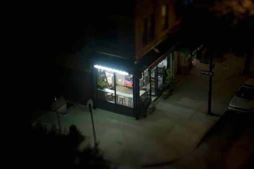 Corner「elevated view of corner deli in urban area」:スマホ壁紙(2)