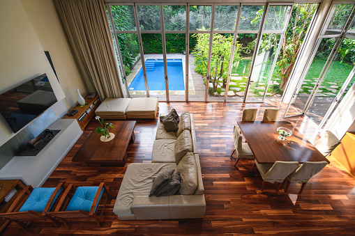 Buenos Aires「Elevated View of Naturally Lit Open Plan Modern Home Decor」:スマホ壁紙(5)