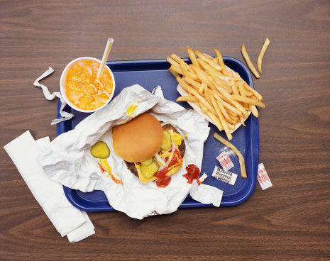 Fast Food「Elevated View of a Tray With Fries, a Hamburger and Lemonade」:スマホ壁紙(1)