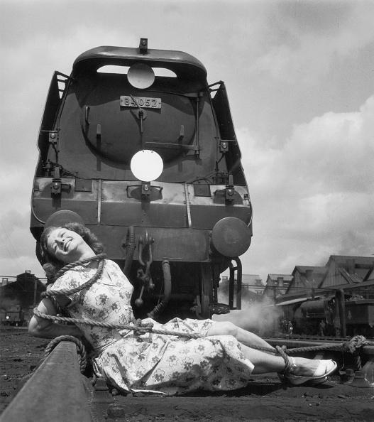 Fred Morley「Screaming Heroine」:写真・画像(1)[壁紙.com]