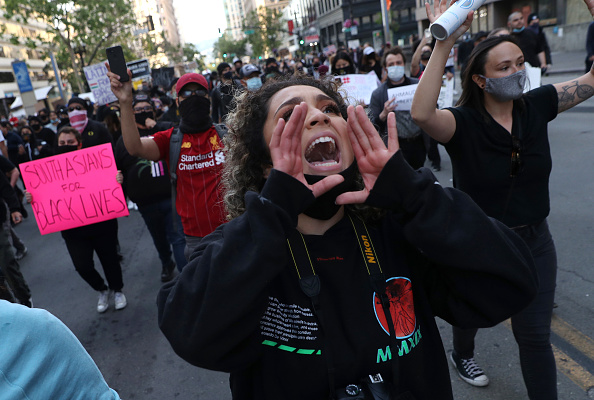 Oakland - California「Activists In Oakland Protest Police Brutality In Death Of George Floyd」:写真・画像(19)[壁紙.com]