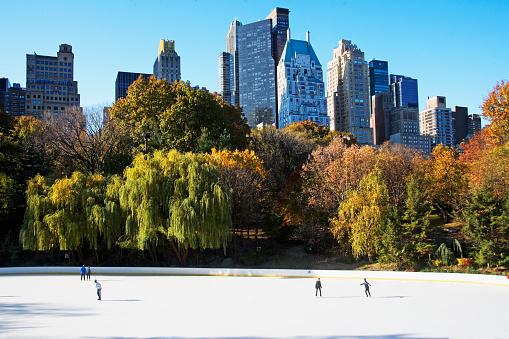 Skating「Downtown ice rink」:スマホ壁紙(15)