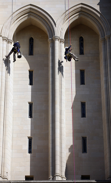 Recreational Pursuit「Washington National Cathedral Inspected For Earthquake Damage」:写真・画像(6)[壁紙.com]