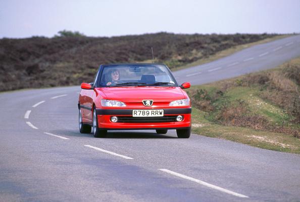 スポーツ「1999 Peugeot 306 cabriolet」:写真・画像(17)[壁紙.com]