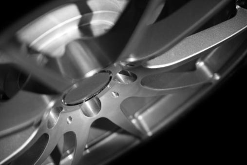 Sports Car「Low key alloy wheel」:スマホ壁紙(16)