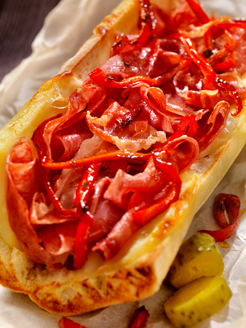 Toasted Food「Toasted Italian Sandwich with Roasted Red Peppers」:スマホ壁紙(1)