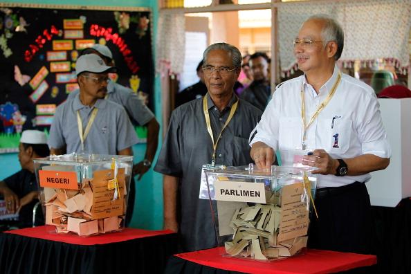 Mohammad Najib Tun Razak「Malaysian's Await Results Of 13th General Election」:写真・画像(17)[壁紙.com]