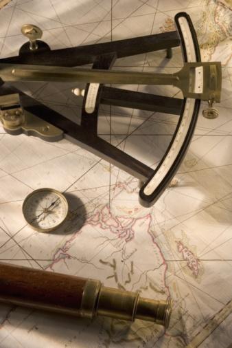 アンティーク「Antique nautical navigation tools」:スマホ壁紙(17)