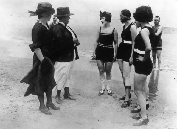 水着「Beach Fashions」:写真・画像(17)[壁紙.com]