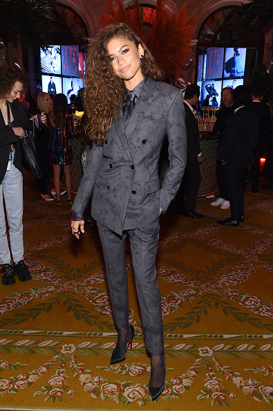 "Gray Color「Harper's BAZAAR Celebrates ""ICONS By Carine Roitfeld"" At The Plaza Hotel Presented By Cartier - Inside」:写真・画像(12)[壁紙.com]"